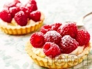 Рецепта Малинови тарталети с бял шоколад, маскарпоне и сметана